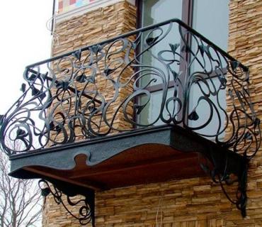 Создание кованых балконов для домов и коттеджей в Казани