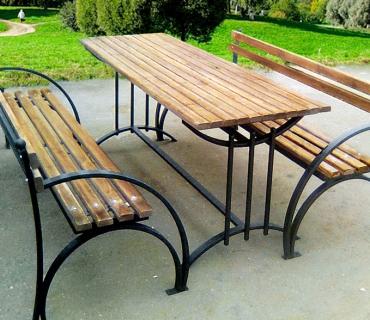 Кованые скамейки и столы в Казани